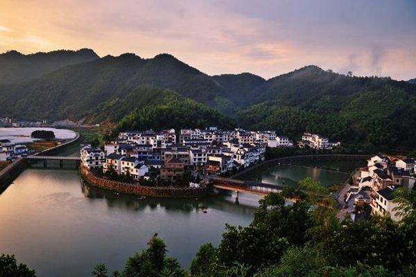 千岛湖、梅峰观岛、登龙山,观海瑞祠、地下奇观通天河纯玩二日游