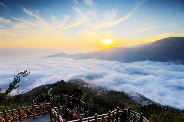 【飞享泸沽湖】云南6日5晚跟团游三飞·昆明+泸沽湖+丽江