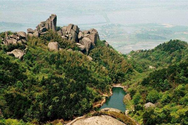 巨石山风景区