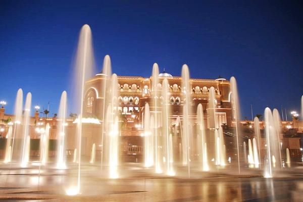 【美丽风光】阿联酋6日4晚半自助双飞·扎耶德清真寺+朱美拉海滩+迪拜博物馆