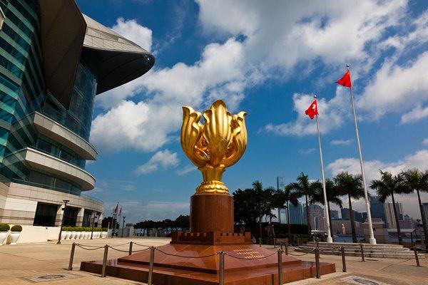 【品质】港澳5日4晚跟团游双飞·浅水湾+金紫荆广场+香港迪士尼乐园+兰桂坊