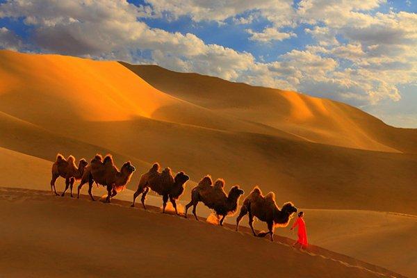 【乐享·新疆味道】火洲吐鲁番、库木塔格沙漠、 盘吉尔怪石林、 天山天池、 新疆古生态胡杨林园双飞5晚6日游