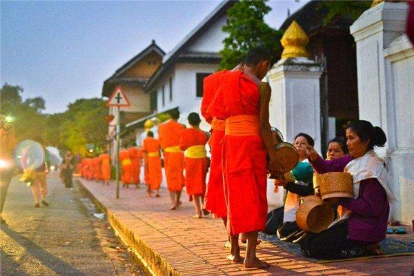 【玩转老挝】老挝6日5晚跟团游四飞·南俄湖+万荣+琅勃拉邦+西蒙寺.升级2晚当地五星酒店