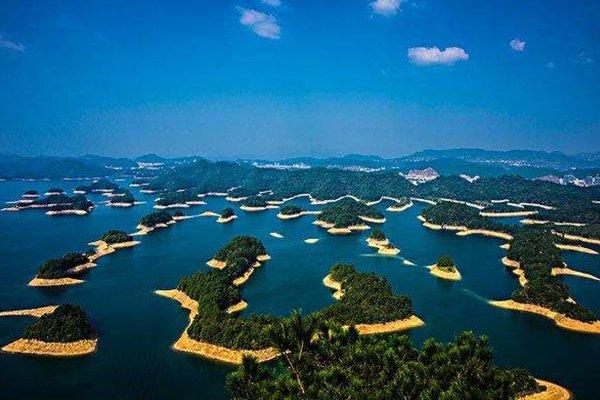 【经典超值】浙江千岛湖2日1晚跟团游巴士.伯爵号+瑶林仙境+大奇山森林公园