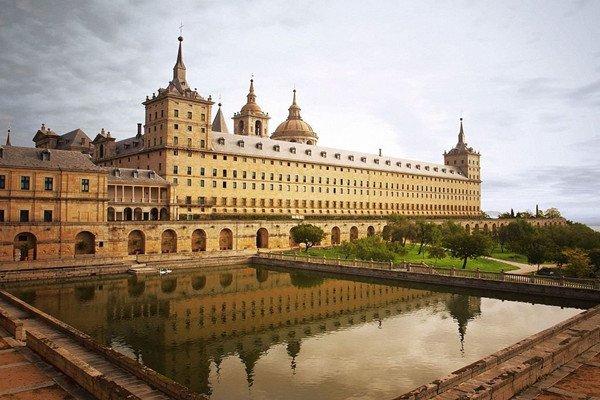 【乐享欧洲】西班牙+葡萄牙11日8晚跟团游双飞·古城门+塞维利亚大教堂+马德里皇宫