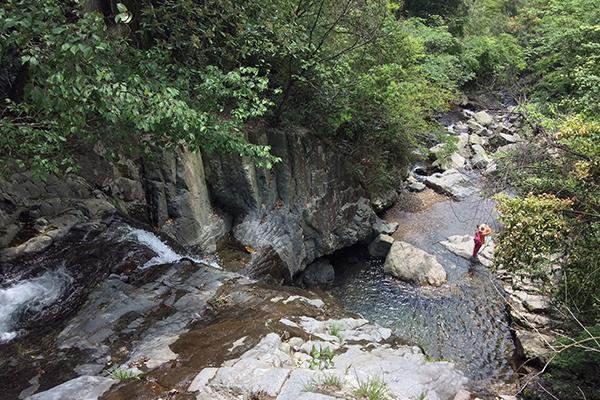 """【散】""""华东第一旅游峡谷""""之称的浙西大峡谷,""""山水画图""""神龙川,""""水上"""