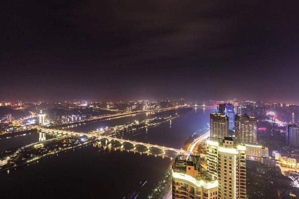 【唯美湖南】张家界6日4晚跟团游·长沙+世界第一玻璃桥+张家界国家森林公园.体验魅力湘西晚会