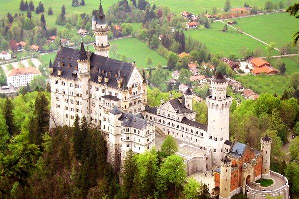 法国 瑞士 意大利 德国 西庸城堡+金色山口 12日游 (MU)