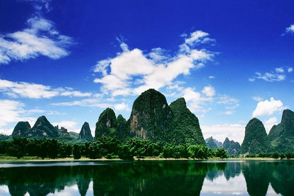 【阳朔异彩】广西桂林5日4晚跟团游双飞.360°全景观桂林城
