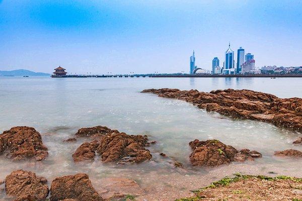 【亲海之旅】青岛灯塔风景区+黄岛金沙滩+五四广场奥帆中心+海鲜大咖