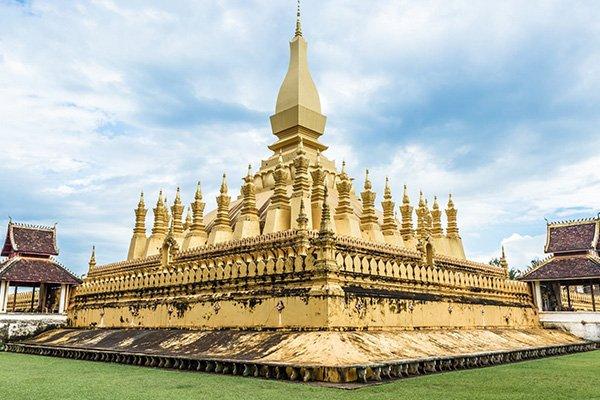 【精品优选】老挝8日7晚跟团游双飞·万象市夜景+塔銮 凯旋门+南俄湖+光西瀑布+普西山+西蒙寺祈福