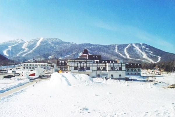 【奇遇东北】哈尔滨5日4晚跟团游双飞·雪地温泉+亚布力滑雪+哈雪谷轻奢穿越